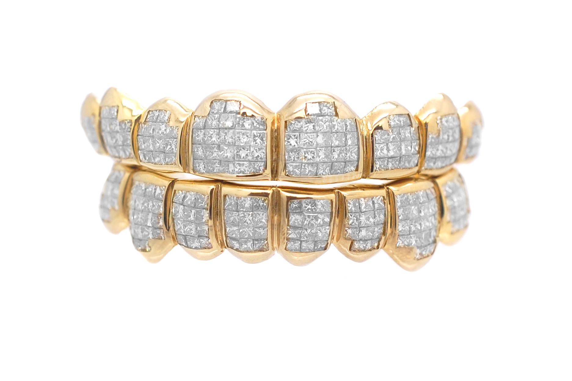 10kt Yellow Gold Mens Round Diamond Charm Charm Pendant (1.1 cttw.)